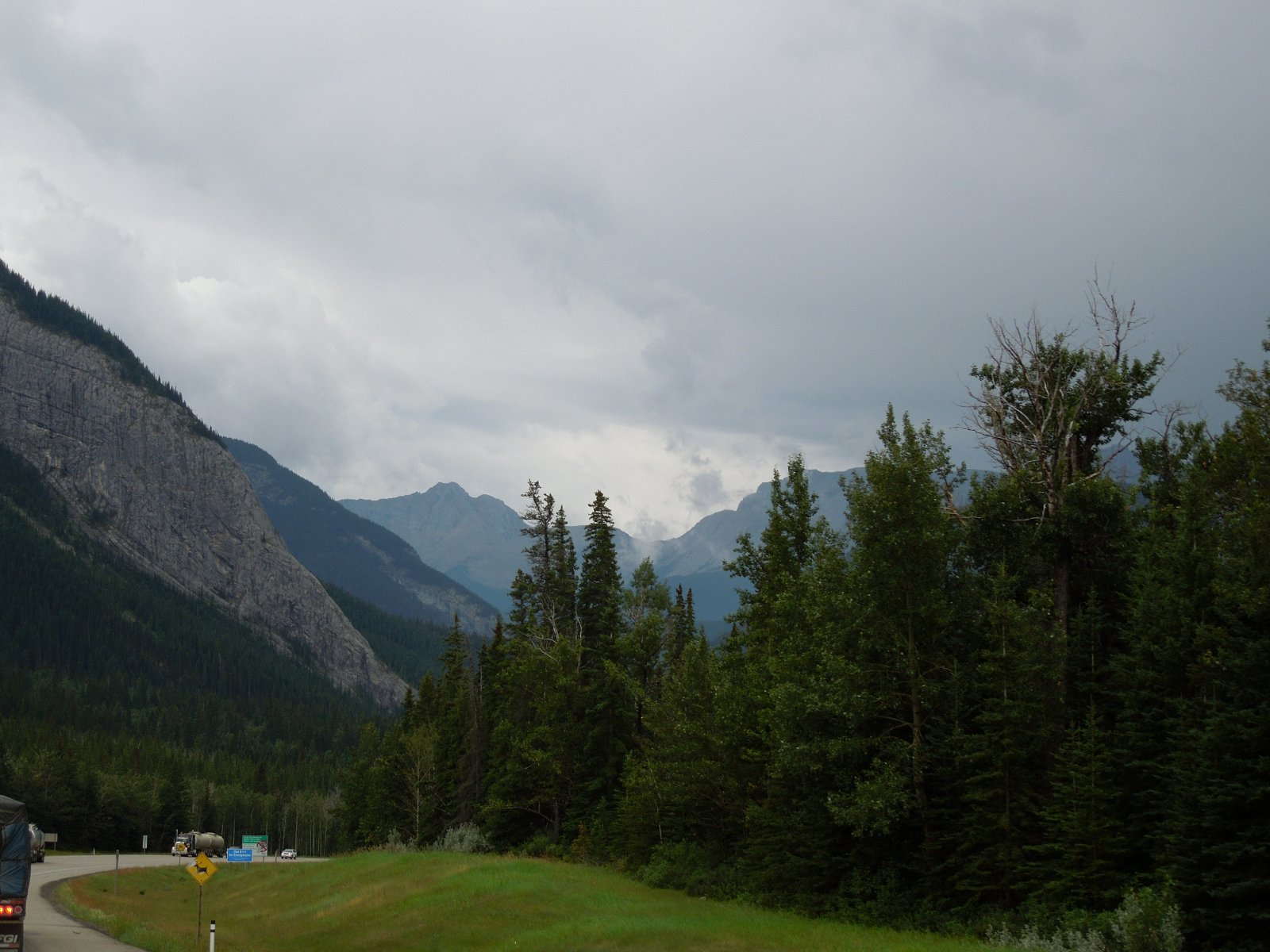 Click image for larger version  Name:Dawson Creek to Icefield Parkway to Cochrane 029.jpg Views:62 Size:248.2 KB ID:222241
