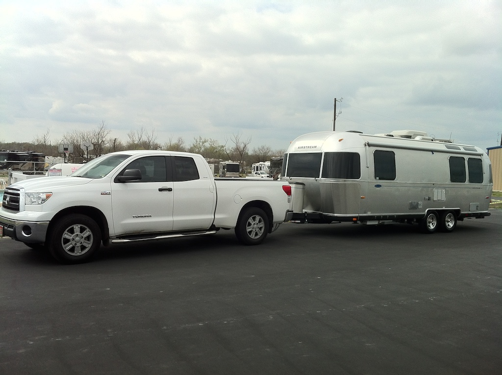 Click image for larger version  Name:Airstream and Tundra.jpg Views:125 Size:215.6 KB ID:224132