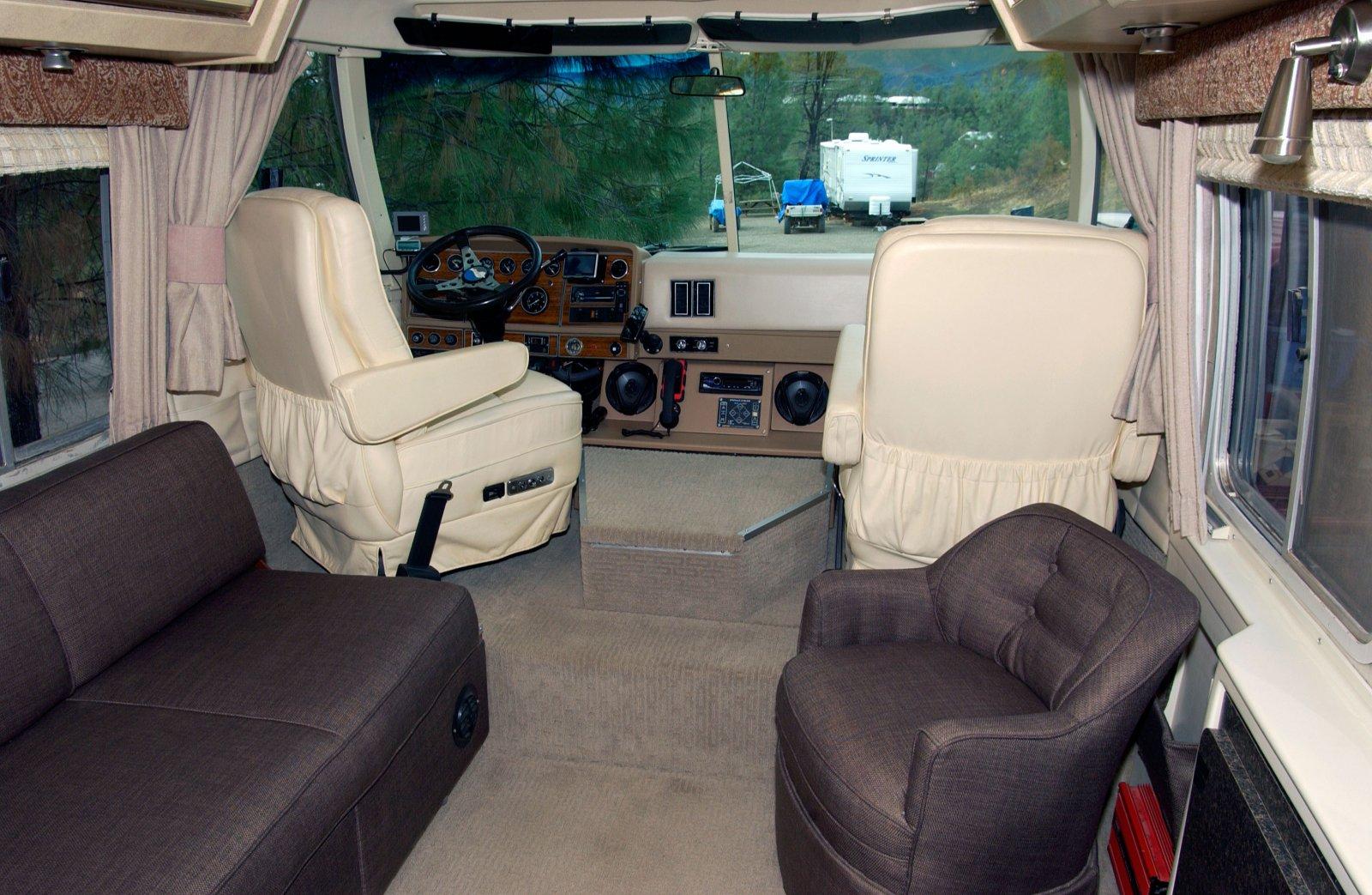 Click image for larger version  Name:Salon-Cab-web.jpg Views:90 Size:316.4 KB ID:225287