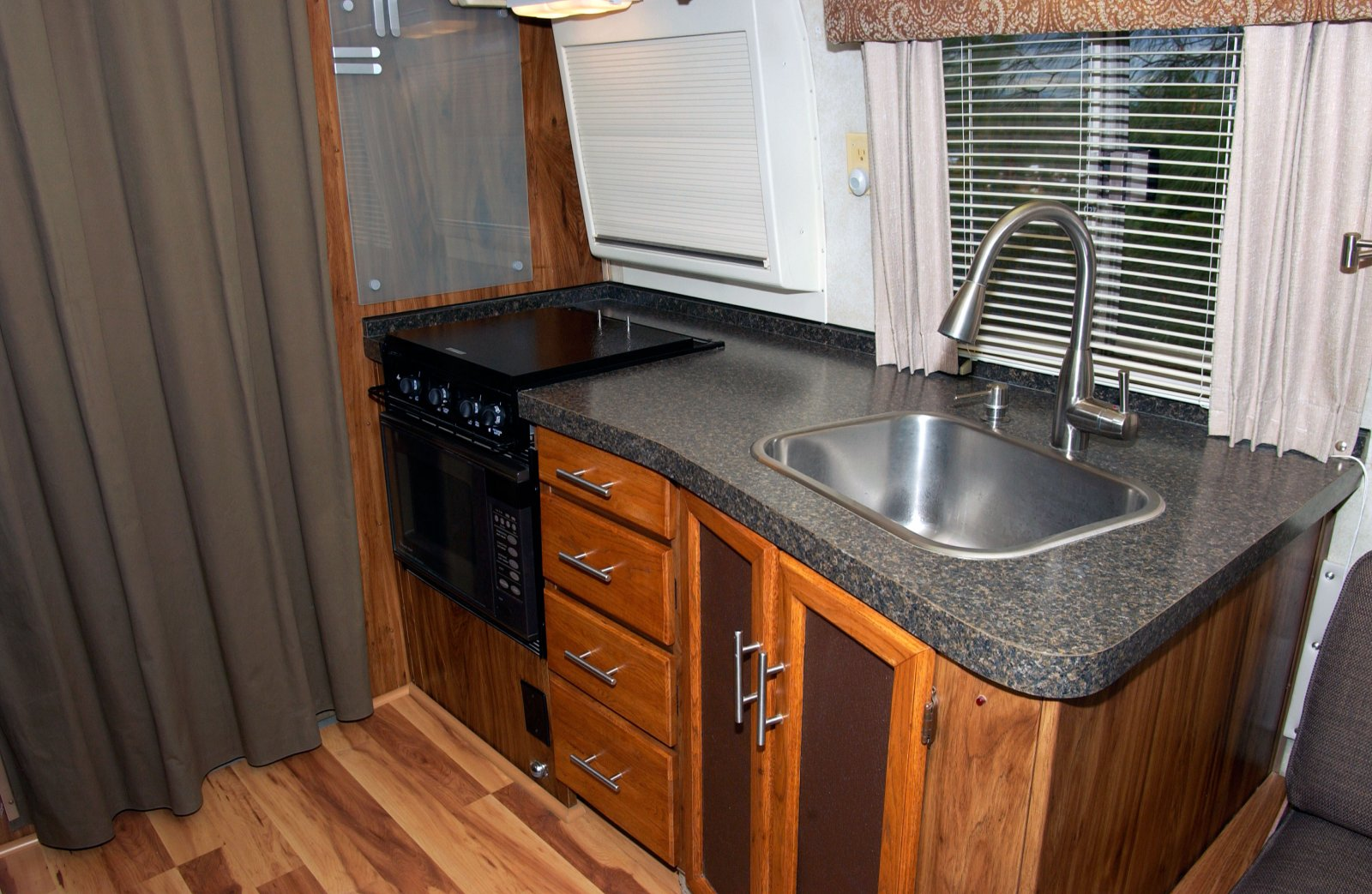 Click image for larger version  Name:Galley-Sink-web.jpg Views:93 Size:305.5 KB ID:225295