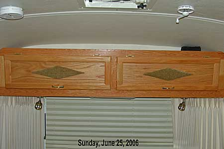Click image for larger version  Name:LoungeCabinets.jpg Views:96 Size:18.6 KB ID:22789