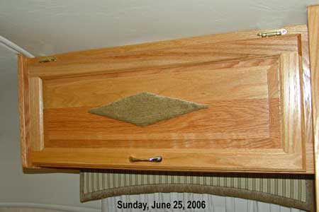 Click image for larger version  Name:ShirtCabinet.jpg Views:74 Size:17.5 KB ID:22790