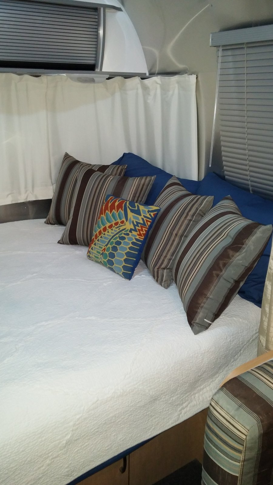 Click image for larger version  Name:Airstream Pillow 2.jpg Views:94 Size:206.7 KB ID:229381