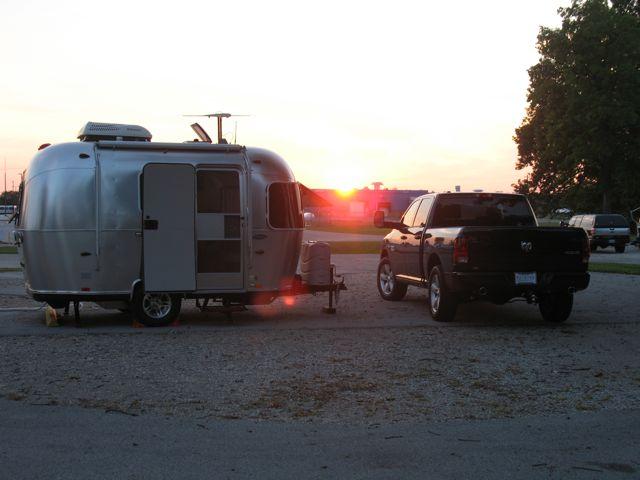 Click image for larger version  Name:brambi2_sunset.jpg Views:202 Size:41.6 KB ID:229717