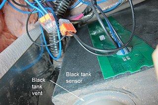 Click image for larger version  Name:black tank sensor.jpg Views:134 Size:488.5 KB ID:229926