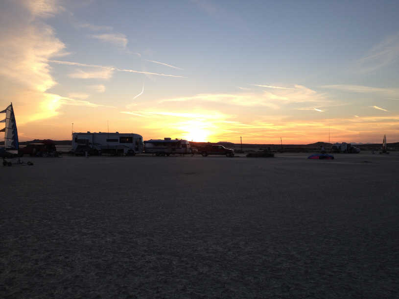 Click image for larger version  Name:El Mirage with Airstream.jpg Views:120 Size:33.0 KB ID:229976