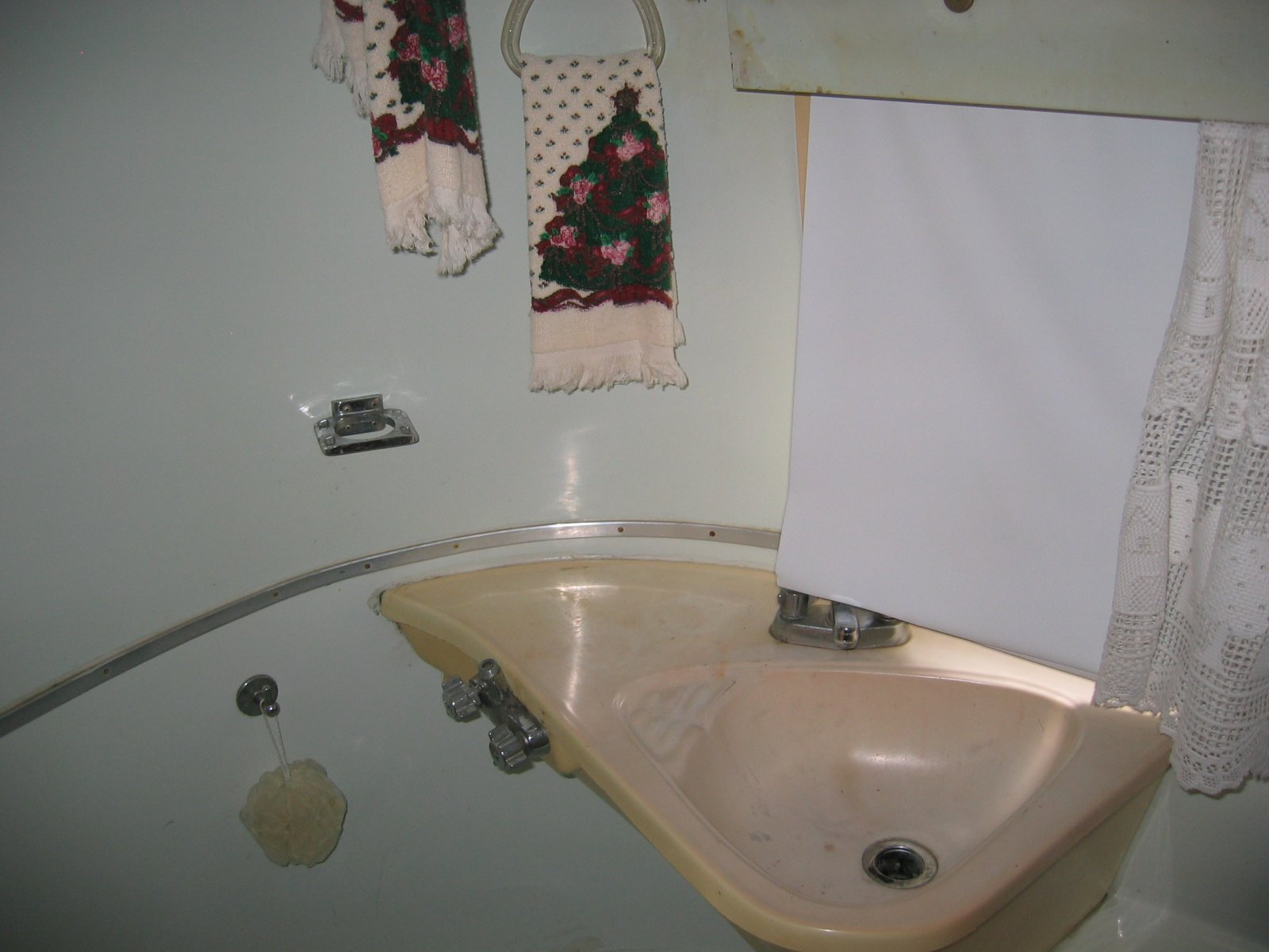 Click image for larger version  Name:1309 Bath Sink.jpg Views:76 Size:171.3 KB ID:234064