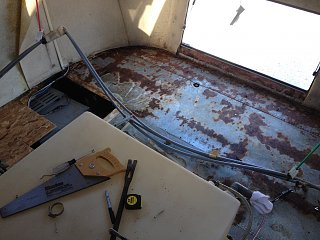 Click image for larger version  Name:20150315 - Rotten floor removed.jpg Views:82 Size:290.2 KB ID:234398