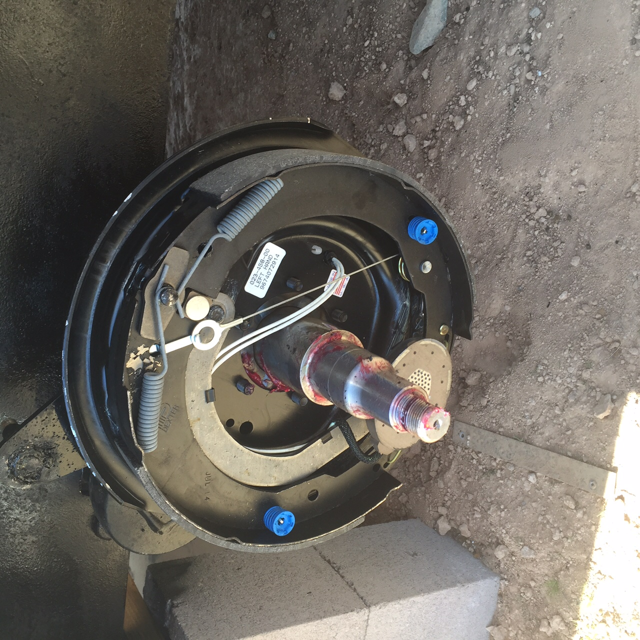 Click image for larger version  Name:newbrakesonaxle.JPG Views:64 Size:661.1 KB ID:236059