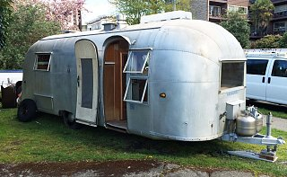 Click image for larger version  Name:1959 24' Airstream2.jpg Views:139 Size:360.4 KB ID:237811