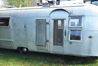 Click image for larger version  Name:1959 24' Airstream3.jpg Views:141 Size:310.7 KB ID:237815