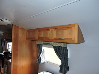 Click image for larger version  Name:0518 upper cabinet 05.jpg Views:178 Size:177.0 KB ID:238674