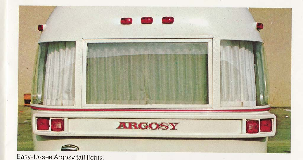 Click image for larger version  Name:1976 Argosy Rear Bedroom with Deep Wrap Windows_sm.jpg Views:110 Size:79.7 KB ID:23908