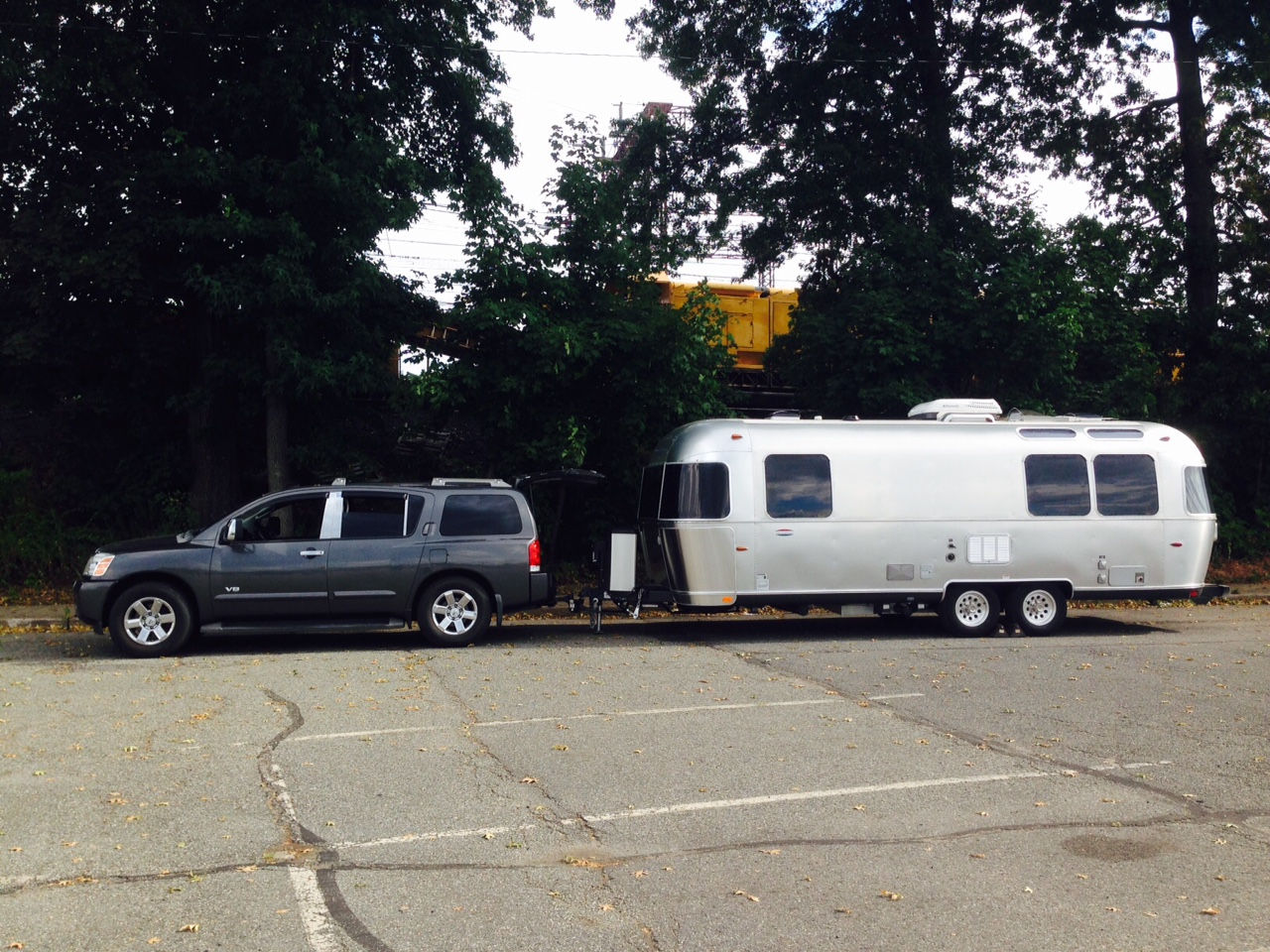 Click image for larger version  Name:Armada w: Airstream.jpg Views:82 Size:560.0 KB ID:240380