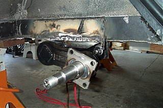 Click image for larger version  Name:Axle bracker and axle.jpg Views:135 Size:154.9 KB ID:24235