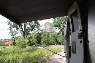 Click image for larger version  Name:Airstream_door_step_devils_tower.jpg Views:187 Size:288.4 KB ID:242776