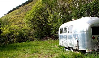 Click image for larger version  Name:Airstream in the wilderness.jpg Views:102 Size:319.1 KB ID:243059