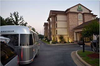 Click image for larger version  Name:Capture Airstream at Holiday Inn Express.JPG Views:202 Size:53.5 KB ID:244011