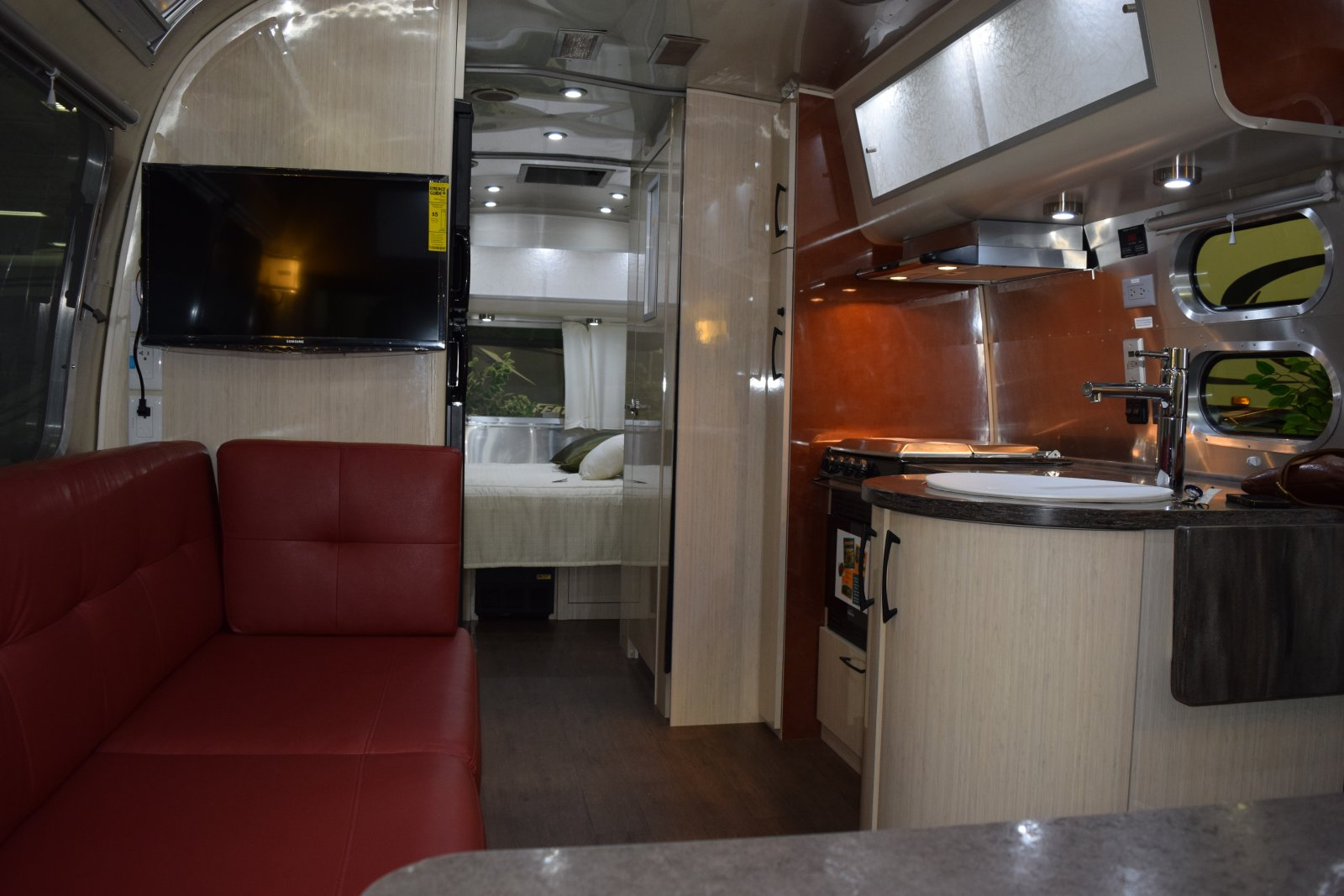 Click image for larger version  Name:Airstream galley.jpg Views:70 Size:190.6 KB ID:244717