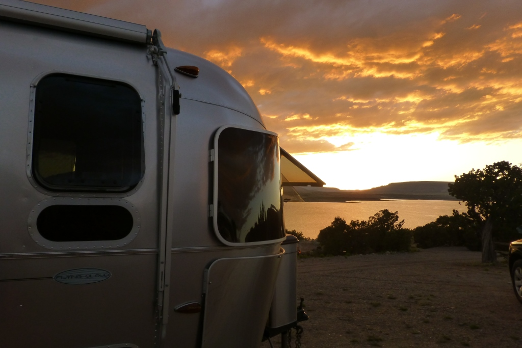 Click image for larger version  Name:Airstream sunset cmp.jpg Views:155 Size:241.2 KB ID:244730