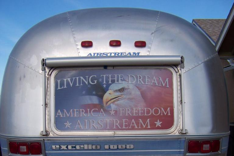 Click image for larger version  Name:living_the_dream.jpg Views:44 Size:47.5 KB ID:245308