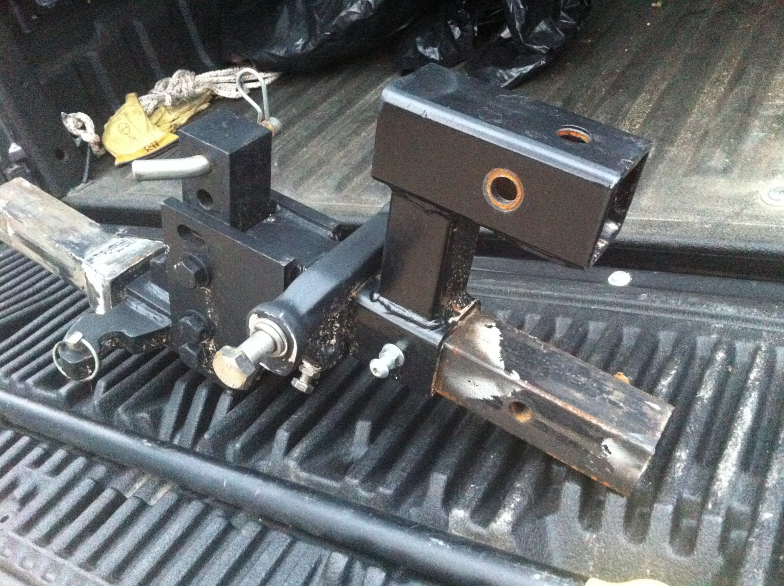 Click image for larger version  Name:Bike Hitch 2.jpg Views:121 Size:464.5 KB ID:248532