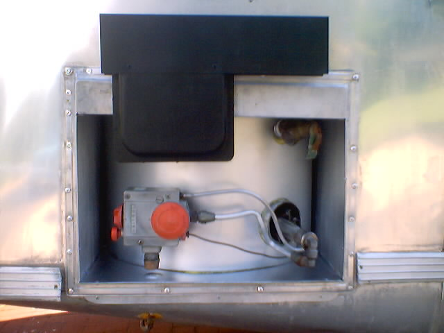 Click image for larger version  Name:water heater_0002.jpg Views:291 Size:37.1 KB ID:2502