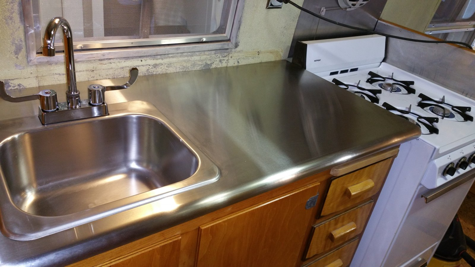 Click image for larger version  Name:Countertop2.jpg Views:104 Size:230.9 KB ID:250652