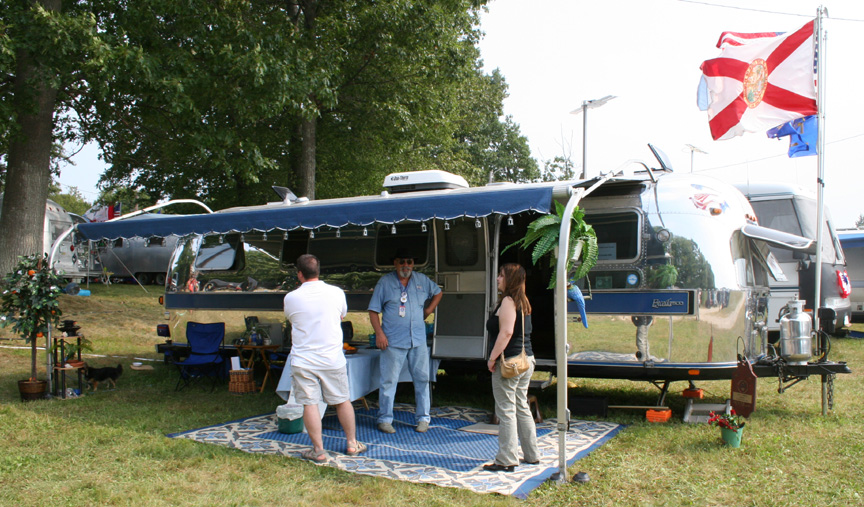 Click image for larger version  Name:vic airstream.jpg Views:89 Size:264.5 KB ID:25124