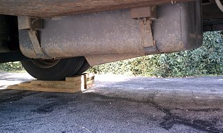 Click image for larger version  Name:fuel-tank-straps.jpg Views:62 Size:322.5 KB ID:252542