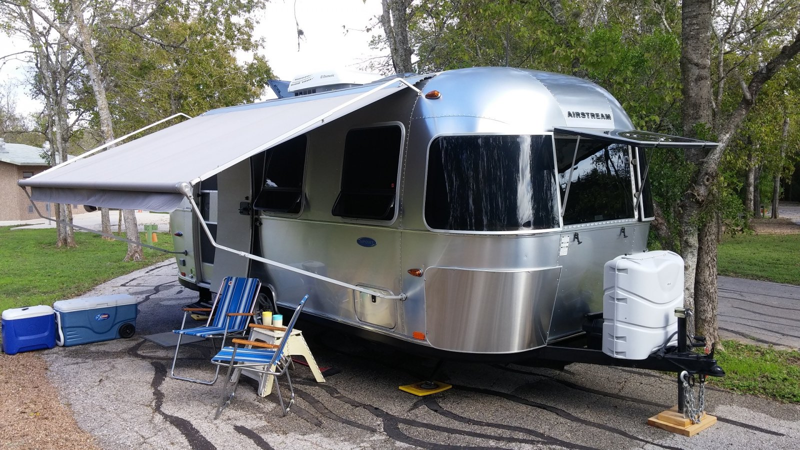 Click image for larger version  Name:LCRA Airstream Beauty 4.jpg Views:119 Size:420.1 KB ID:252945