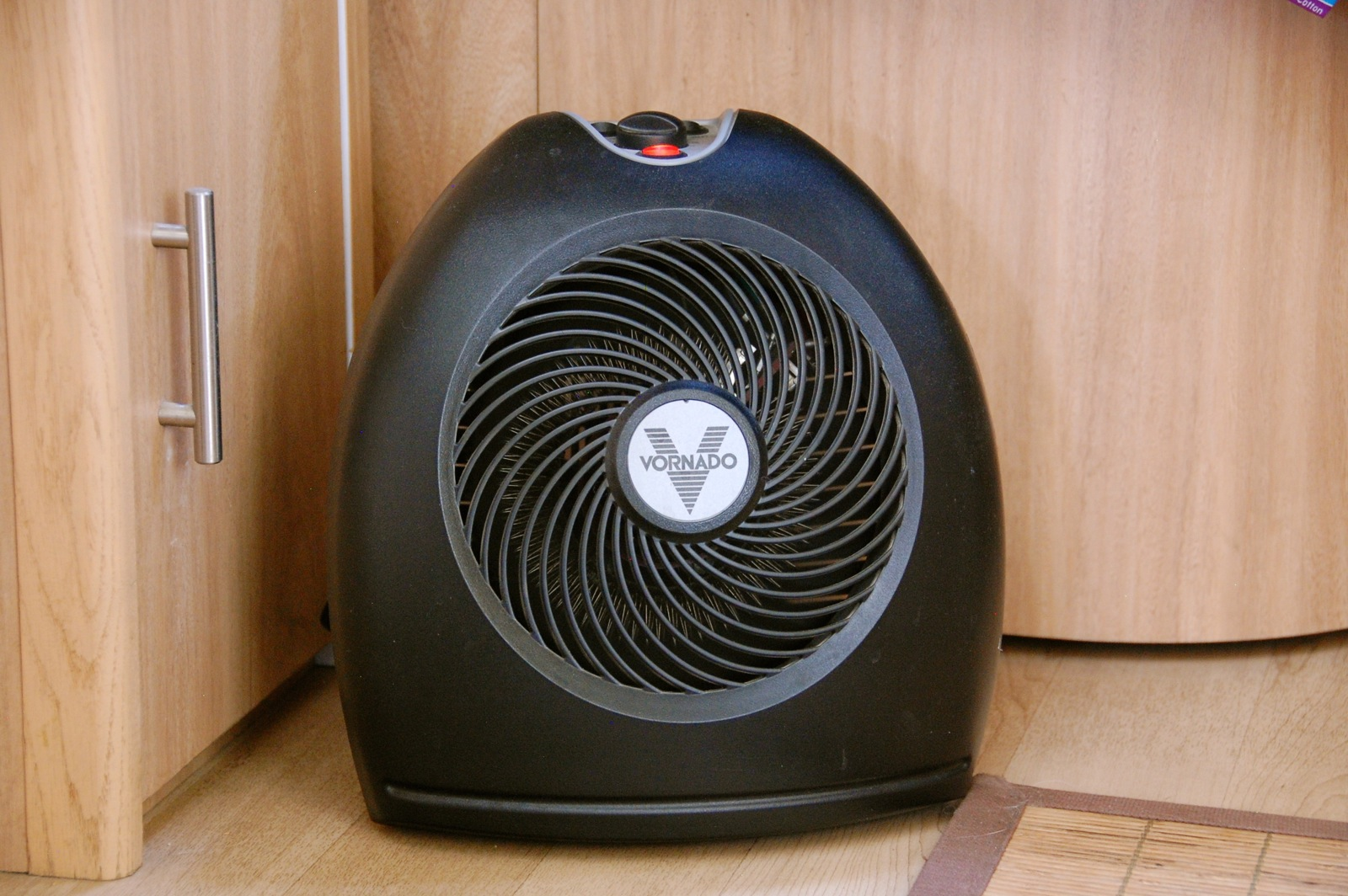 Click image for larger version  Name:DSC_0330 Vornado Heater close-up.jpg Views:54 Size:424.8 KB ID:253408