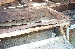 Click image for larger version  Name:stair frame damage.jpg Views:232 Size:188.0 KB ID:25388