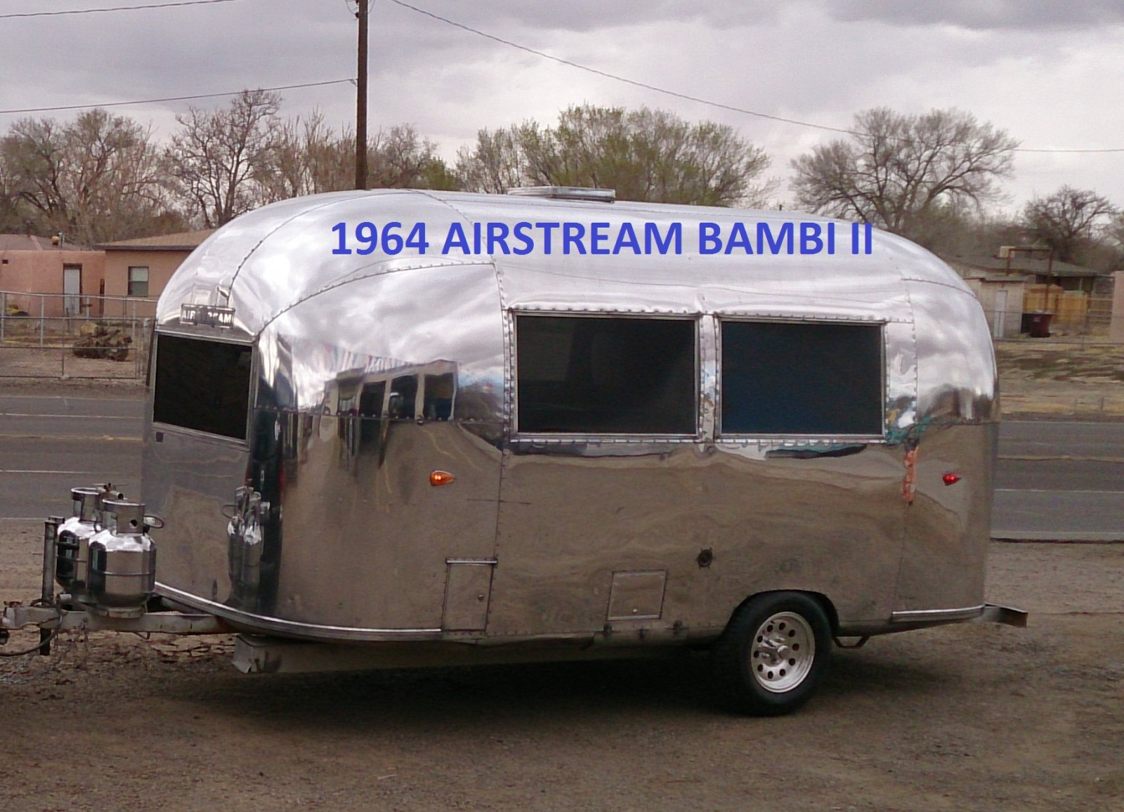 Click image for larger version  Name:Shiny Trailer.jpg Views:57 Size:284.2 KB ID:254027