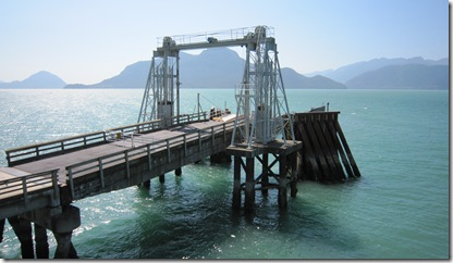 Click image for larger version  Name:Ferry Ramp.jpg Views:85 Size:35.4 KB ID:255239