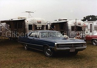 Click image for larger version  Name:Travelux Photo - 2 Trailers in 1983.jpg Views:164 Size:158.6 KB ID:255472