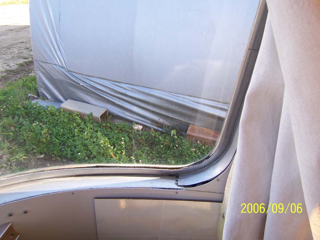 Click image for larger version  Name:Window Trim Detail (reduced).jpg Views:93 Size:99.4 KB ID:25688