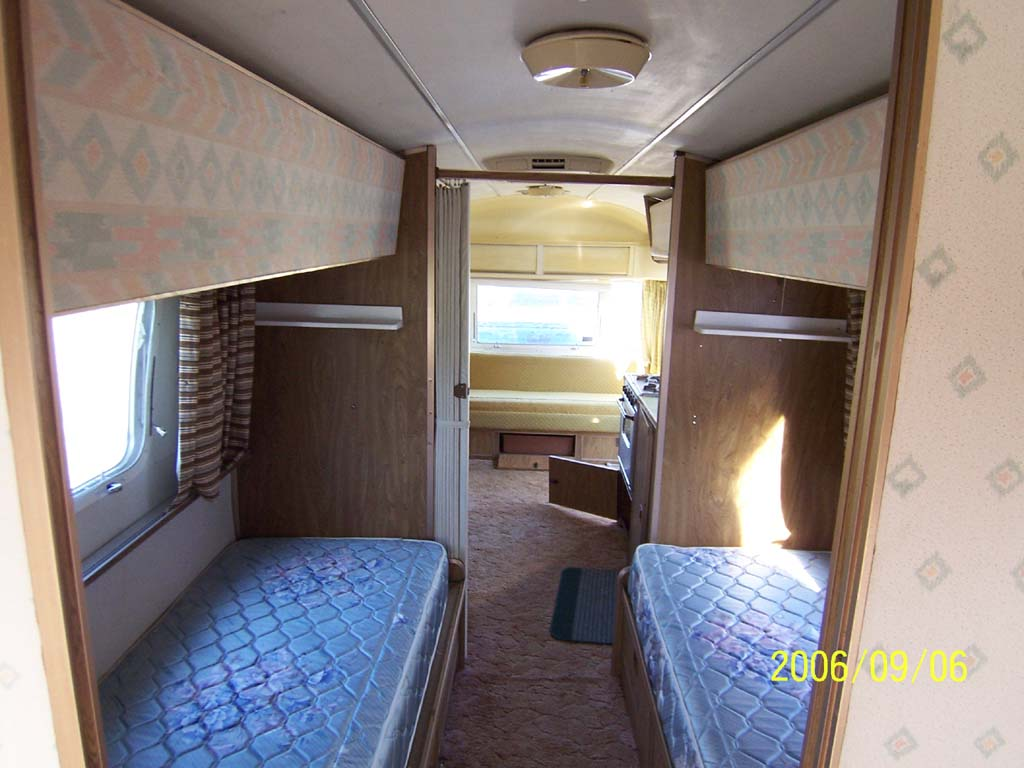 Click image for larger version  Name:Interior Twin (reduced).jpg Views:118 Size:101.1 KB ID:25750