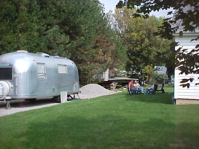 Click image for larger version  Name:Driveway Campin'.jpg Views:64 Size:44.7 KB ID:25772