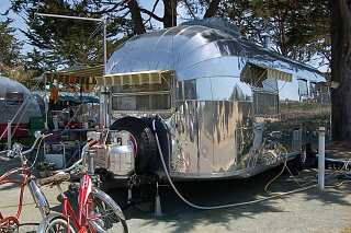 Click image for larger version  Name:1952-airstream-cruiser07.jpg Views:175 Size:789.0 KB ID:258722