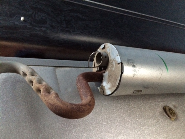 Click image for larger version  Name:Rust on Fridge 1.JPG Views:107 Size:112.3 KB ID:258792