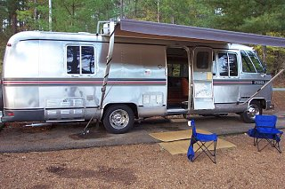 Click image for larger version  Name:moho camping.jpg Views:80 Size:143.2 KB ID:258846