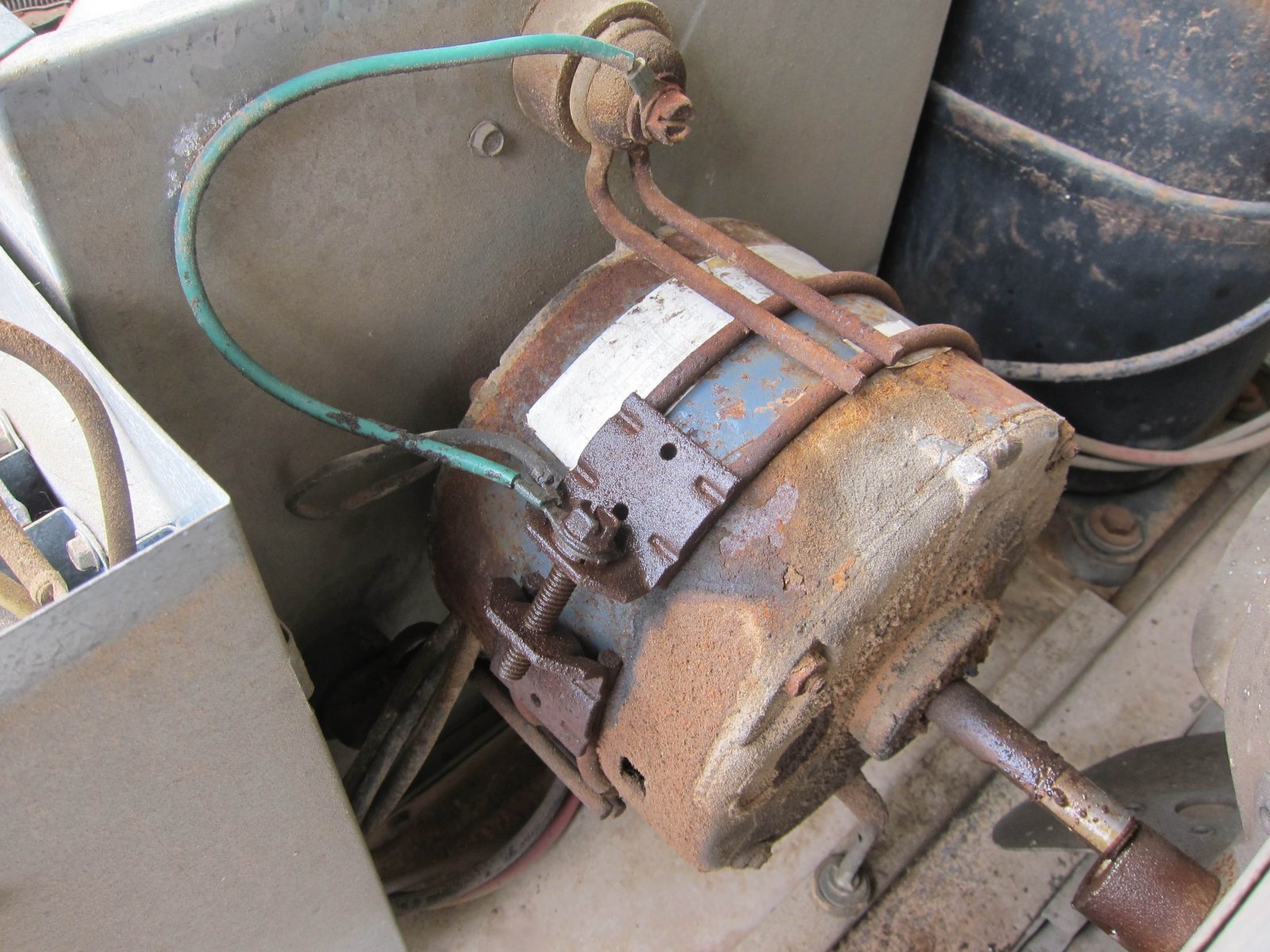 Click image for larger version  Name:arm motor.jpg Views:41 Size:324.2 KB ID:259194