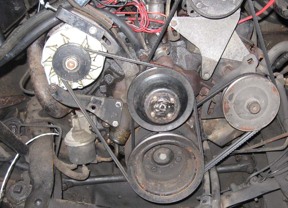 Click image for larger version  Name:pic showing alternator adjusting screw.jpg Views:102 Size:158.4 KB ID:259707