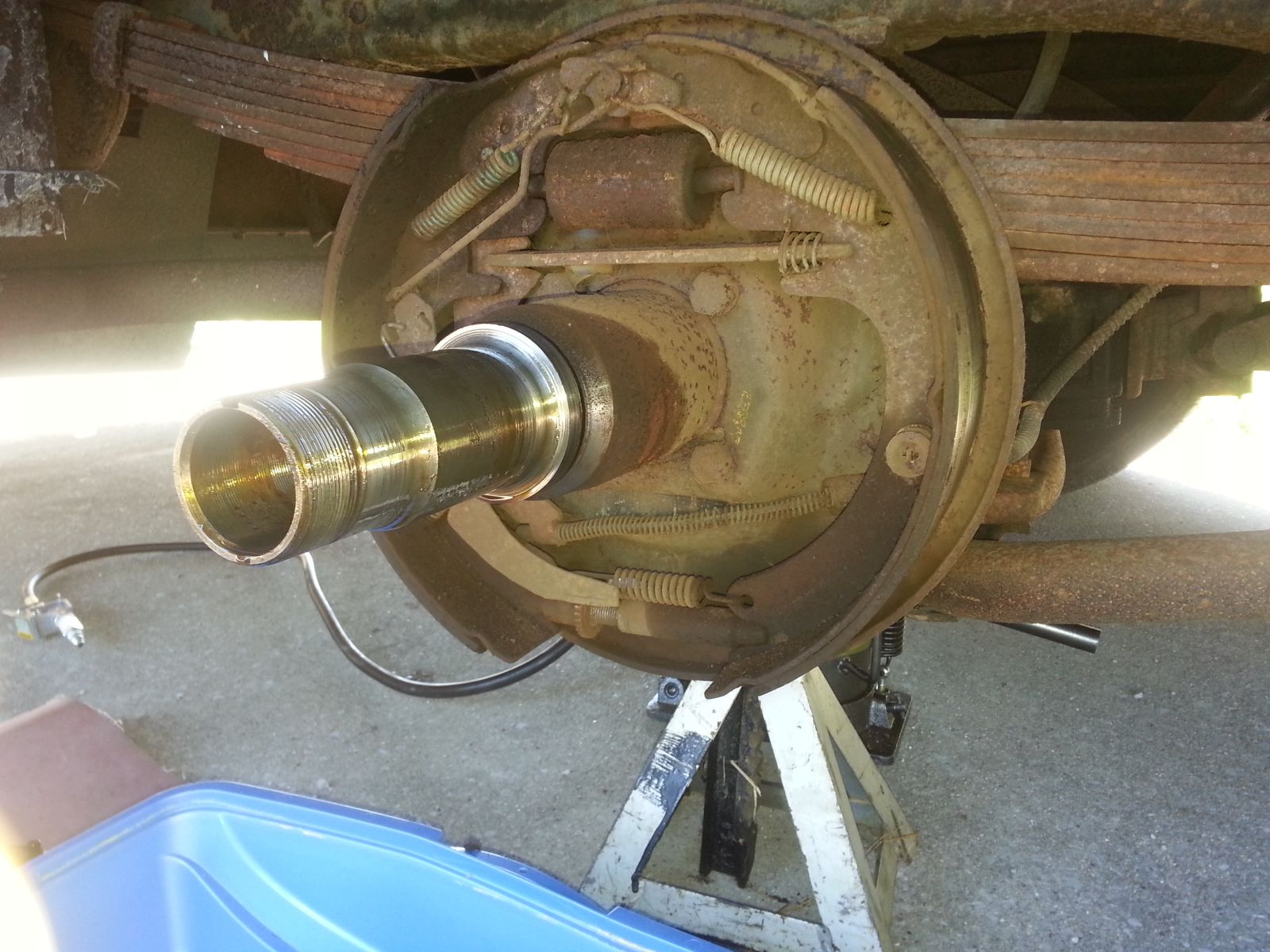 Click image for larger version  Name:peanut-oil-on-brake-shoes.jpg Views:58 Size:265.8 KB ID:259913