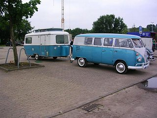 Click image for larger version  Name:triton-blauw+bus-blauw.jpg Views:95 Size:98.7 KB ID:260073