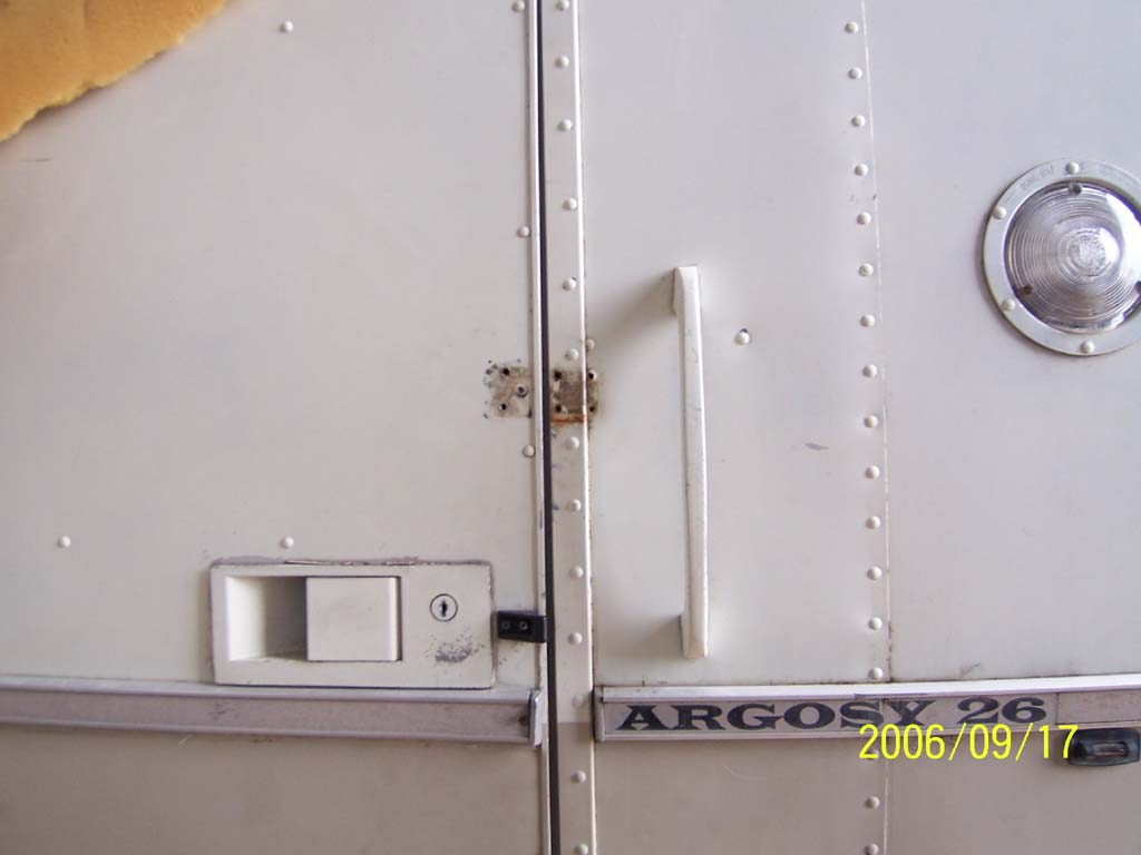 Click image for larger version  Name:Day Six PO Door Latch Holes (reduced).jpg Views:77 Size:54.5 KB ID:26048