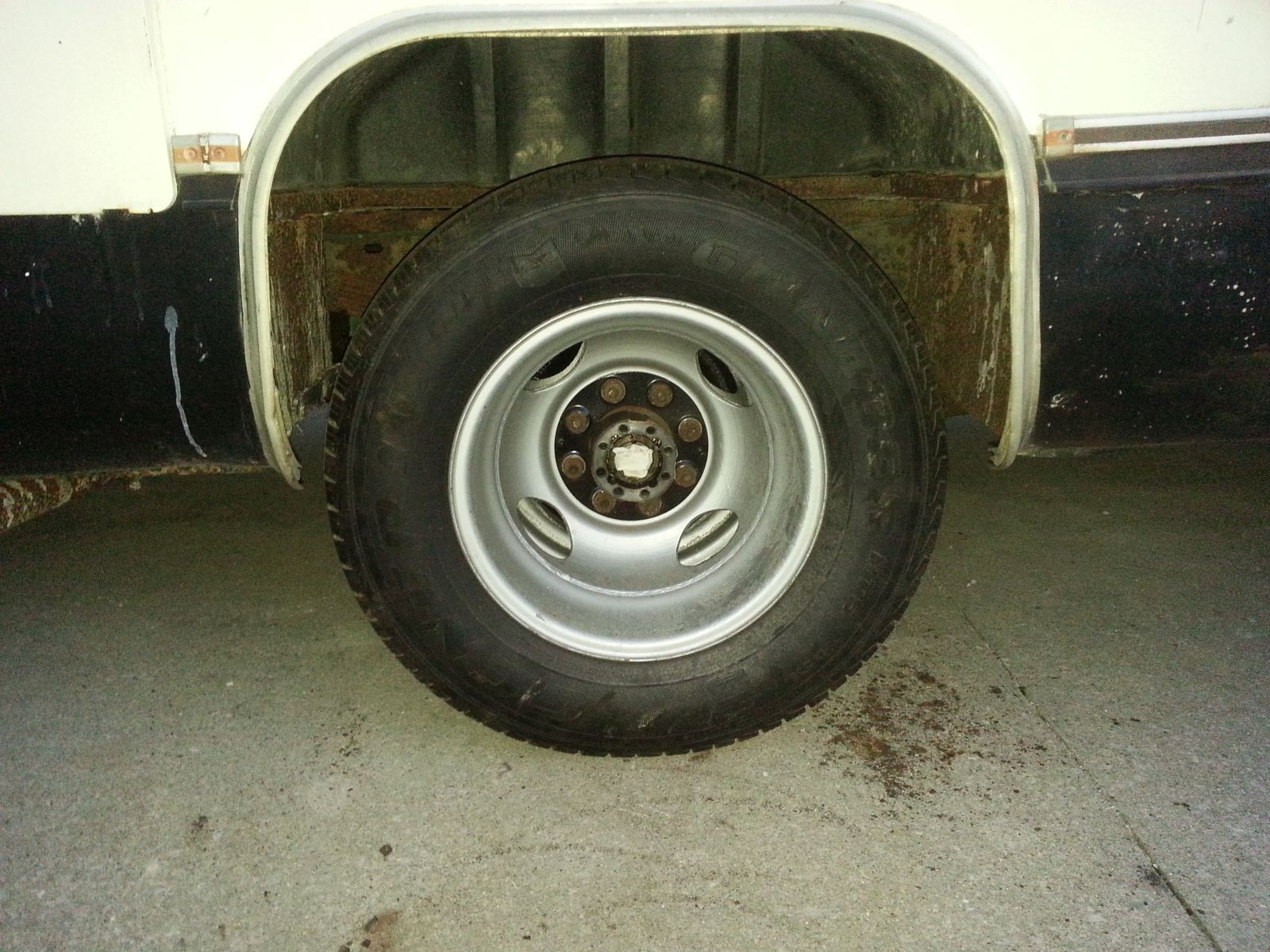 Click image for larger version  Name:peanut-right-rear-wheel.jpg Views:51 Size:327.1 KB ID:260680