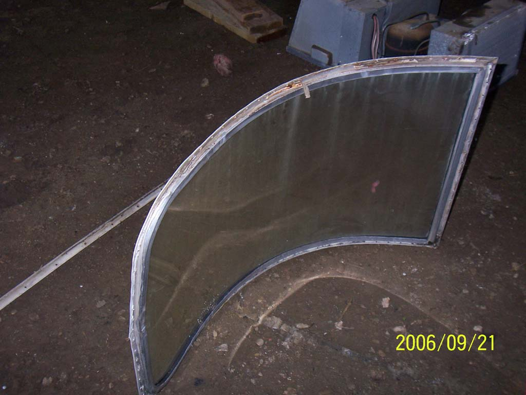 Click image for larger version  Name:Day Eight Curved Window Streetside Entire (reduced).jpg Views:89 Size:91.0 KB ID:26181