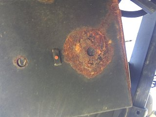 Click image for larger version  Name:Battery box rust-Airstream.jpg Views:266 Size:325.5 KB ID:262100